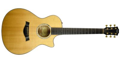 Pre-Owned Taylor BTO Custom Grand Concert, Natural